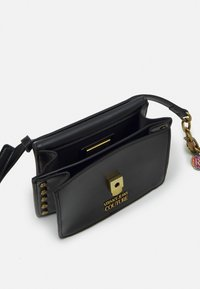 Versace Jeans Couture - CHARMS CROSSBODY - Across body bag - nero - 3