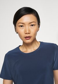 Max Mara Leisure - VALETTE - Basic T-shirt - blau - 5
