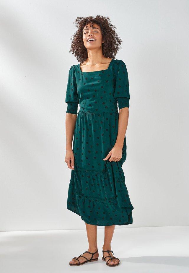 TIERED - Denní šaty - green
