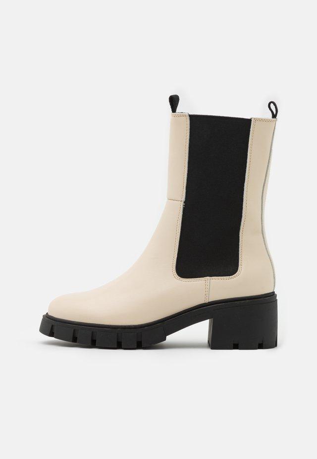 VMRIKKO BOOT - Platform ankle boots - birch