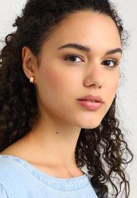 Pilgrim - EARRINGS  LAUREN - Earrings - gold-coloured - 1