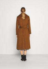 Sand Copenhagen - COAT CLARETA BELT - Classic coat - brown - 2