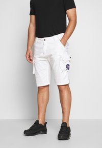 Alpha Industries - Shorts - white - 0