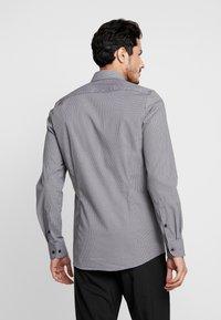 OLYMP - OLYMP LEVEL 5 BODY FIT  - Formal shirt - black - 2