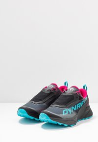 Dynafit - ULTRA 100 GTX - Zapatillas - black out/flamingo - 2