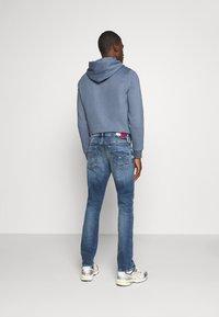 Tommy Jeans - SCANTON SLIM - Jeans slim fit - barton mid blue comfort - 2