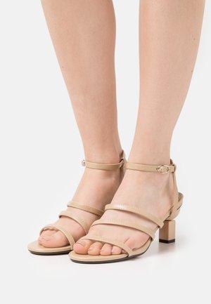 TYLER - Sandales - nude