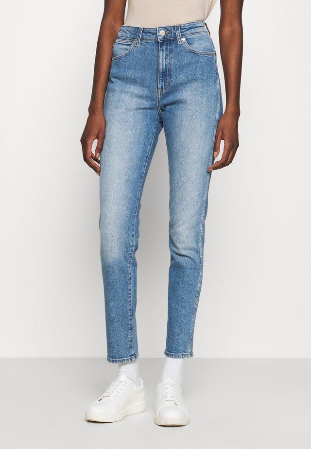 RETRO - Slim fit jeans - light blues