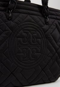 Tory Burch - FLEMING QUILTED TOTE - Tote bag - black - 6