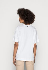 Rich & Royal - WITH PRINT - Print T-shirt - toffee - 2