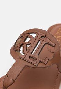Lauren Ralph Lauren - AUDRIE - T-bar sandals - deep saddle tan - 6