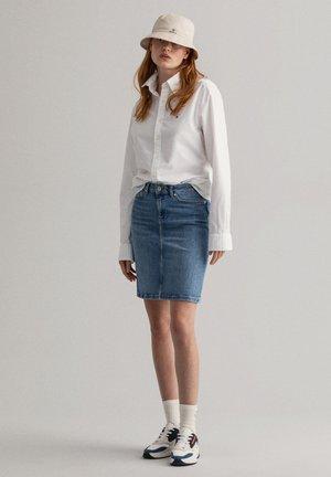 Denim skirt - light blue worn in