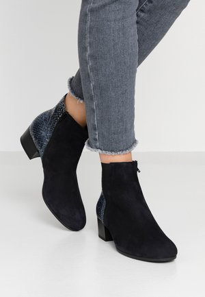 WIDE FIT - Ankle boots - pazifik/ocean