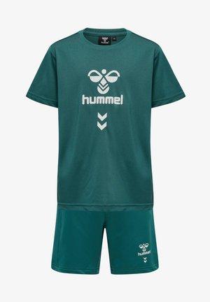 SUPER FOOTBALL SET - Shorts - mallard green