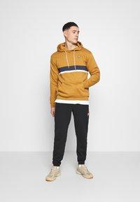 adidas Originals - SAMSTAG HOODY - Hoodie - mesa - 1