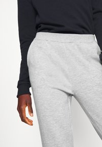 Even&Odd Tall - 2PACK REGULAR FIT JOGGERS - Tracksuit bottoms - black/light grey - 6
