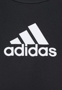 adidas Performance - 3 STRIPES BACK DESIGNED 2 MOVE AEROREADY - T-shirt con stampa - black/white - 4