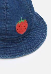 Mini Rodini - STRAWBERRY SUN HAT - Hat - blue - 3