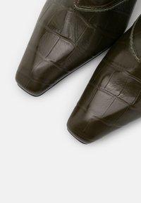 Jeffrey Campbell - HUXTABLE - Vysoká obuv - khaki/stone - 5
