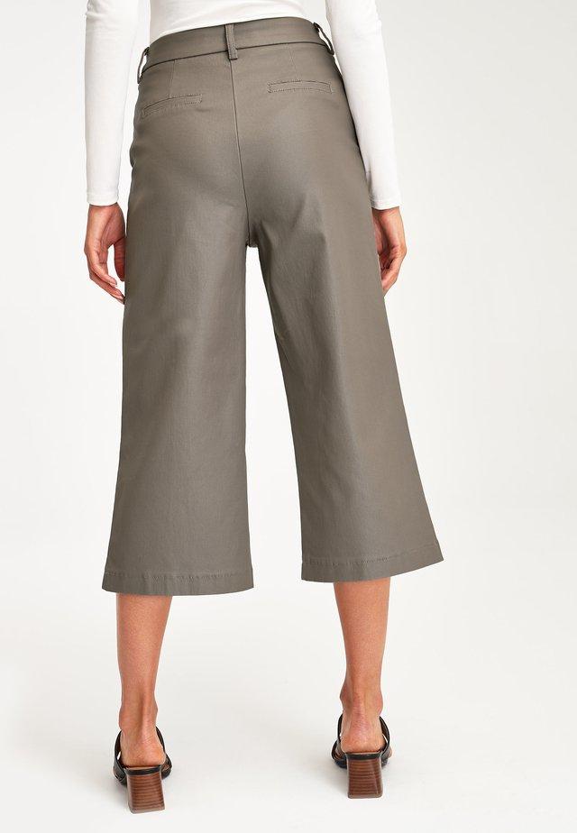 CULOTTES - Pantalones - pink