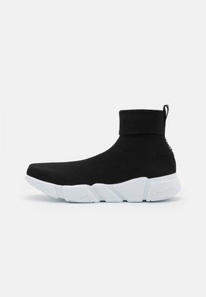 NEW TURBO  - Sneakers hoog - black
