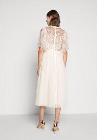 Needle & Thread - PATCHWORK BODICE BALLERINA DRESS - Vestido de cóctel - champagne/gold - 2