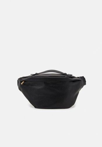 PCFRINNA BUMBAG - Bum bag - black