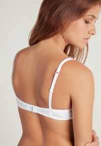 Tezenis - LONDON - Triangle bra - white - 1