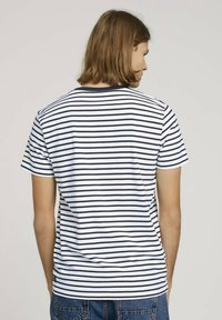 TOM TAILOR DENIM - Print T-shirt - navy white thin stripe - 2