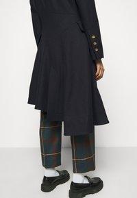 Vivienne Westwood - NUTMEG COAT - Classic coat - navy - 4