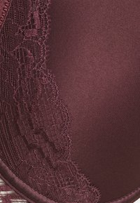Chantelle - WALTZ MEMORY FOAM - Underwired bra - cardinal - 2