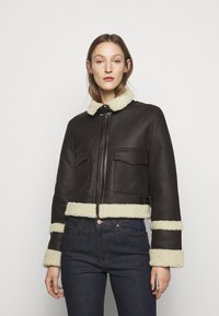 Victoria Victoria Beckham - CROPPED AVIATOR JACKET - Leather jacket - chestnut brown - 2