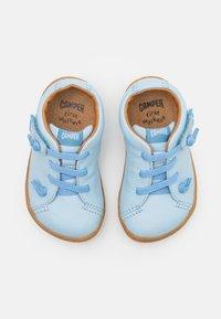 Camper - PEU CAMI - Zapatos con cierre adhesivo - light/pastel blue - 3