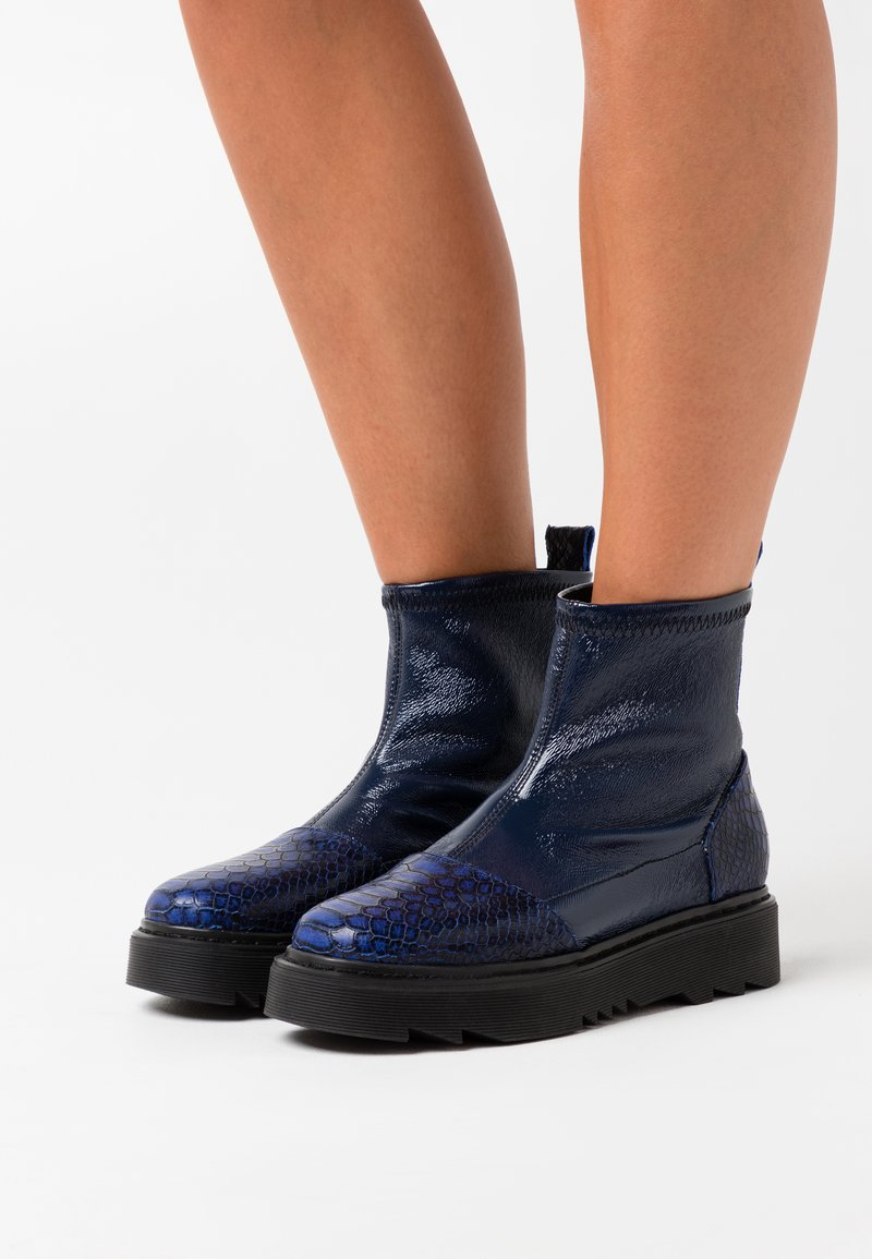 L37 - HEY GIRL! - Classic ankle boots - navy blue