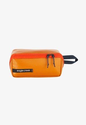 GEAR  - Pencil case - sahara yellow