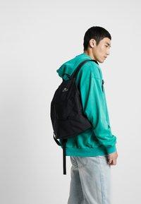 Bag N Noun - CANADA FLAP SAC - Rucksack - black - 1
