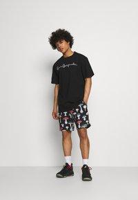 Karl Kani - ORIGINALS TEE UNISEX - T-shirt con stampa - black - 1
