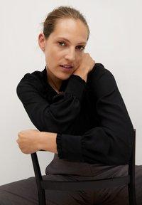 Mango - CACHITO - Button-down blouse - černá - 5