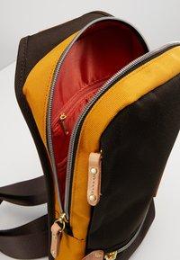 Harvest Label - MINI MULTI - Across body bag - brown - 6