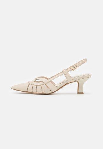 Classic heels - poncho burro