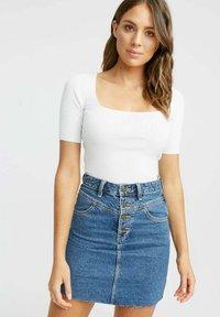 Kookai - LOLA - Basic T-shirt - ba off white - 0