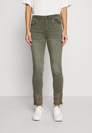 PANT BALI - Jeans slim fit - kaki