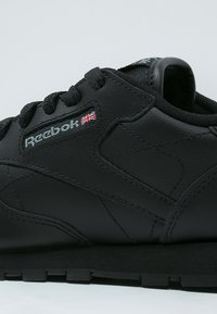 Reebok Classic - CLASSIC - Zapatillas - black - 5