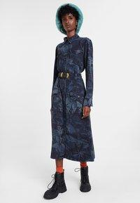 Desigual - VEST MONTSE - Sukienka jeansowa - blue - 1