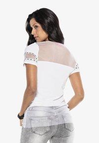 Cipo & Baxx - Print T-shirt - white - 2