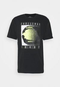 Nike Sportswear - TEE REISSUE COURT LOGO - Print T-shirt - black - 3