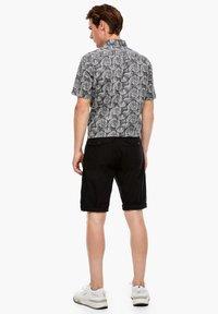 s.Oliver - Shorts - black - 2