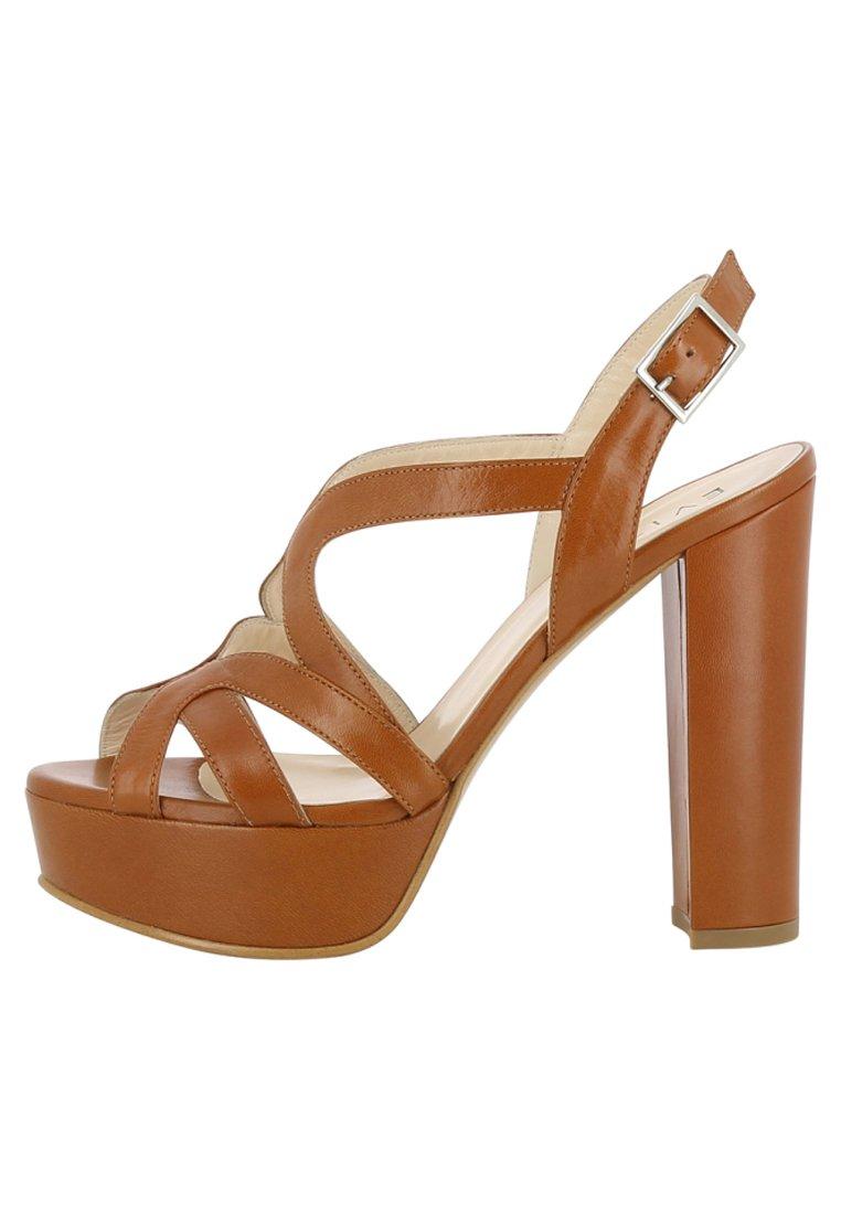 Evita Plateausandaletten | Das Upgrade für deine Füße bei