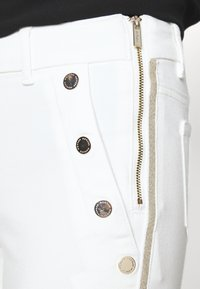 Morgan - PEPPER - Kalhoty - white - 5