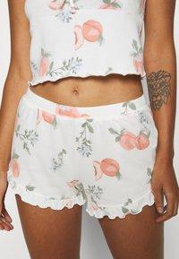 Gilly Hicks - PRINTED COZY SHORT - Pyjama bottoms - white - 0